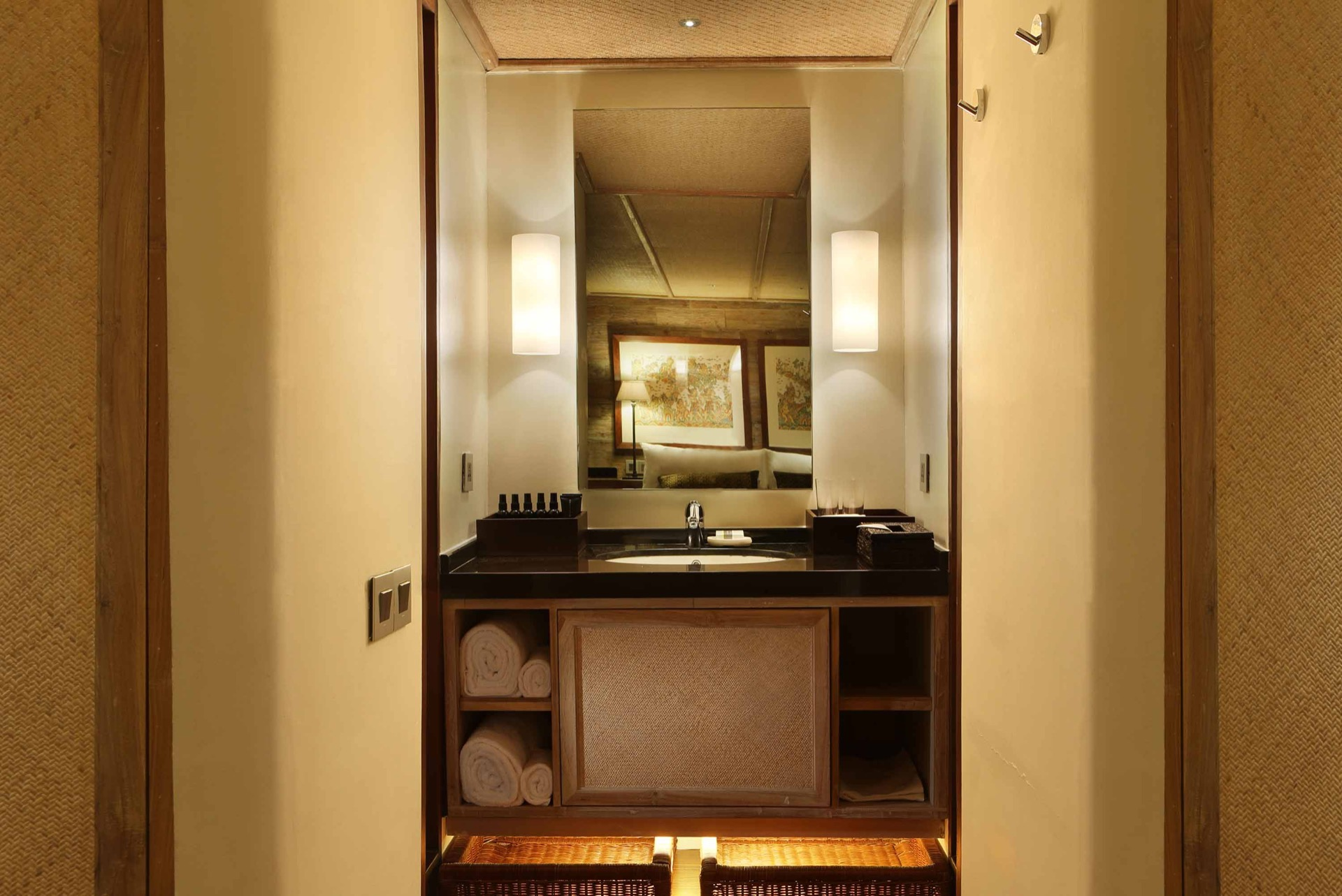 Alila Purnama Bathroom