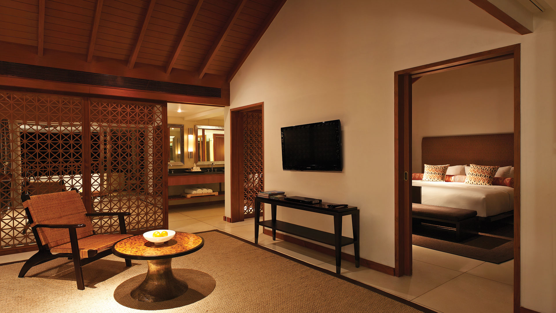 Family-Suite-Living-Room