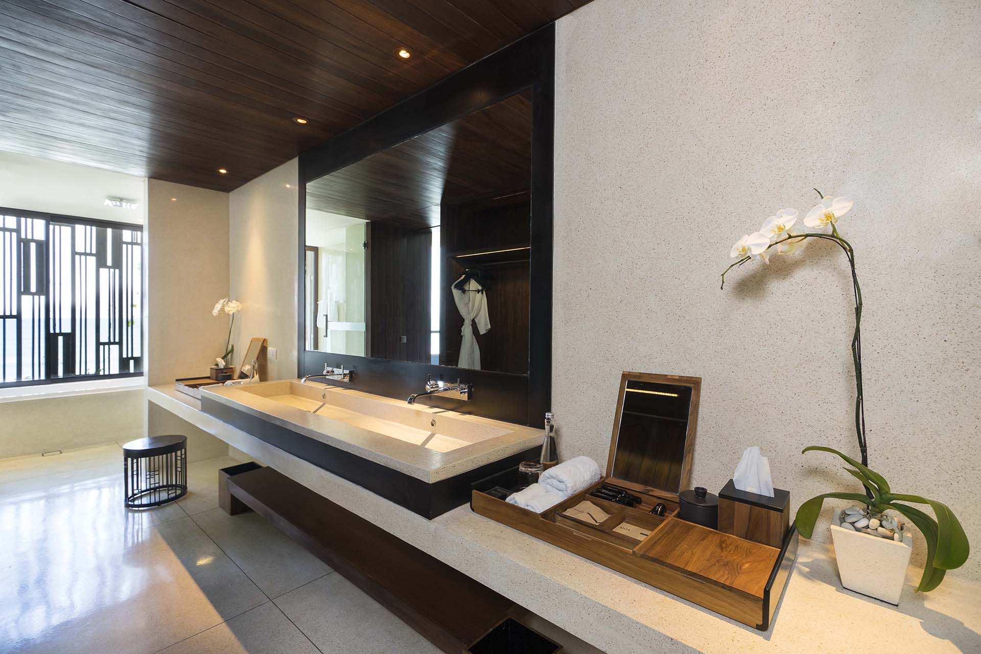 Alila Ocean View Suite - Bathroom