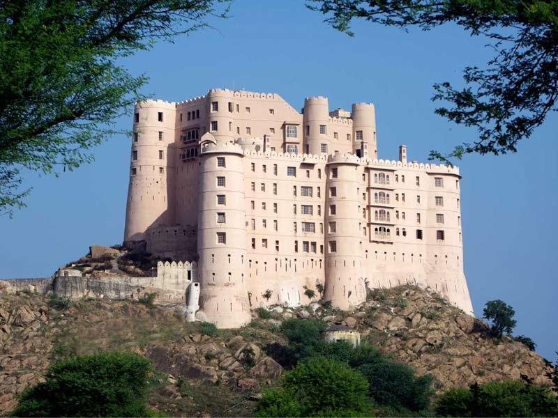 Get Attractive Deals and Offers at Alila Fort Bishangarh