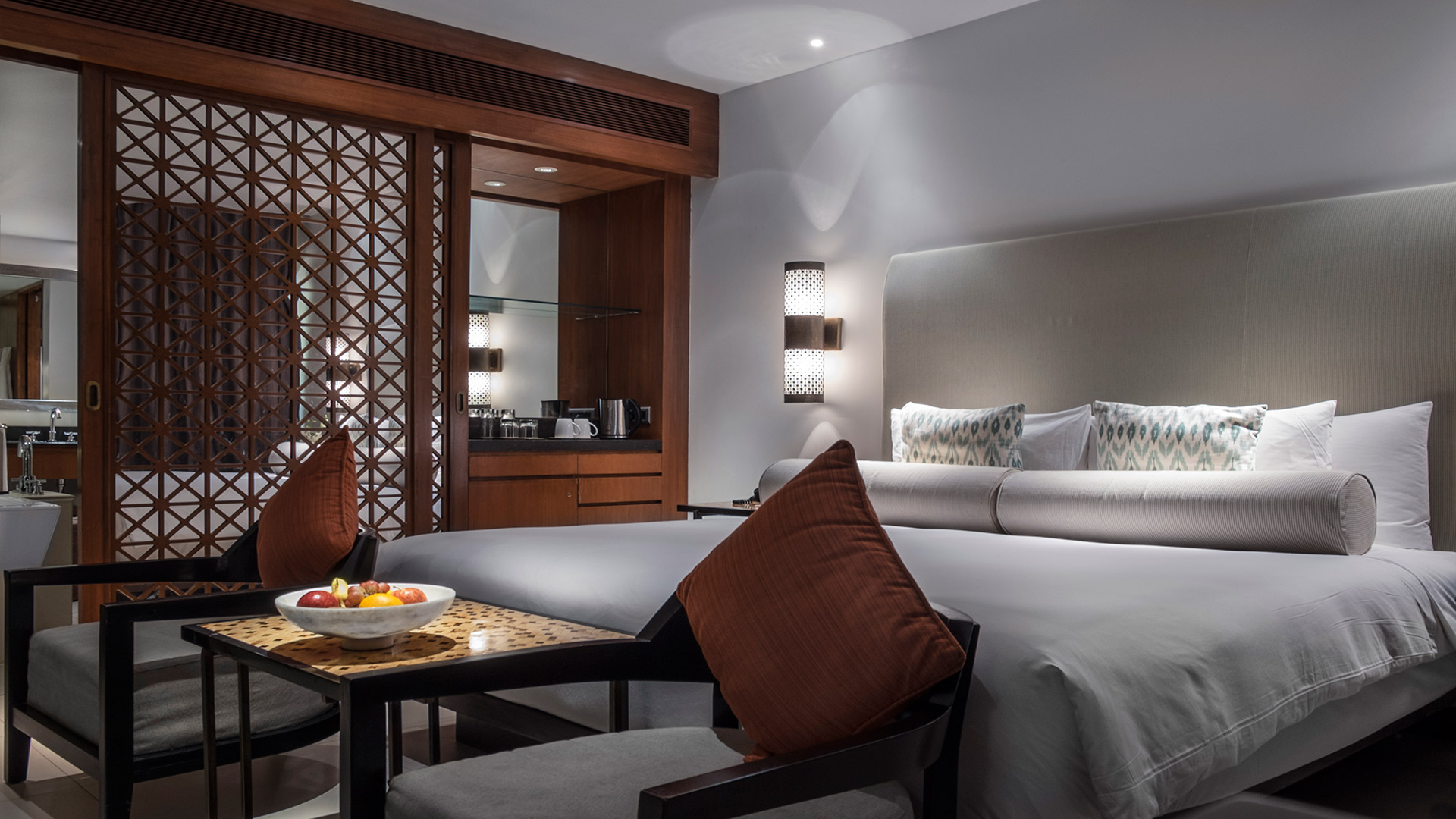 Terrace-Room-King-Bed